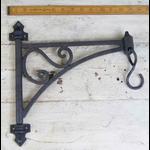 IRON RANGE Cast Iron Swivel Bracket Plant Hanger with Hook