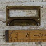 IRON RANGE Cup Handle with Label Frame Brass