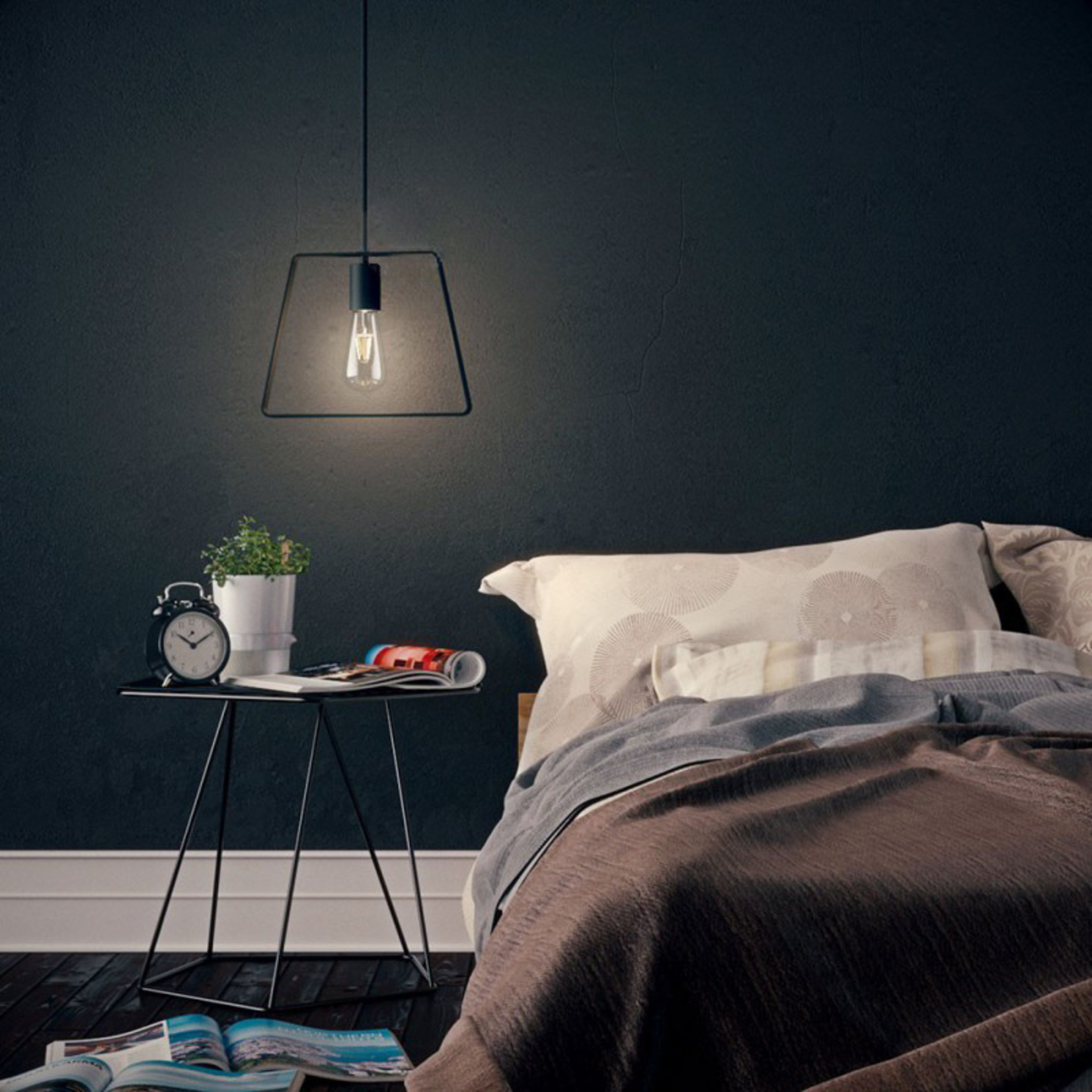 CCIT Black Silhouette Profile Metal Shade 'Duedi' with black metal lamp holder cover and E27 lamp holder.