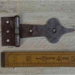 IRON RANGE Spearhead Hinge Antique Iron 90mm/123mm x 50mm