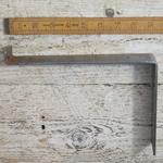 "IRON RANGE Shelf Bracket 'UTILITY' Medium Duty Angle Steel Lip 6"" x 9"""