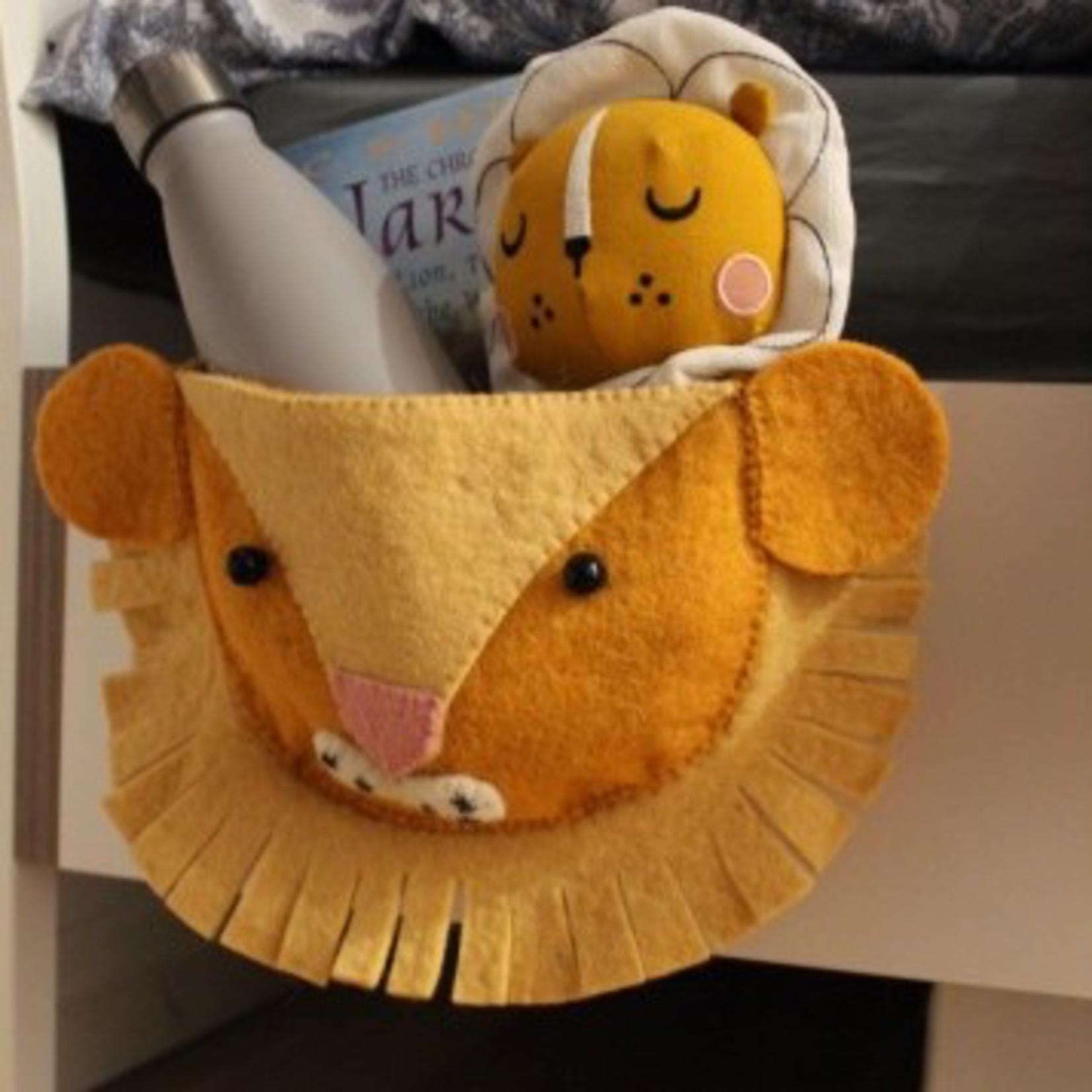 Fiona Walker Fiona Walker Bedtime Book Pouch - Lion