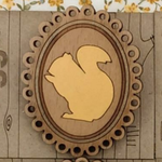 Twiggd Squirrel cameo brooch - YELLOW