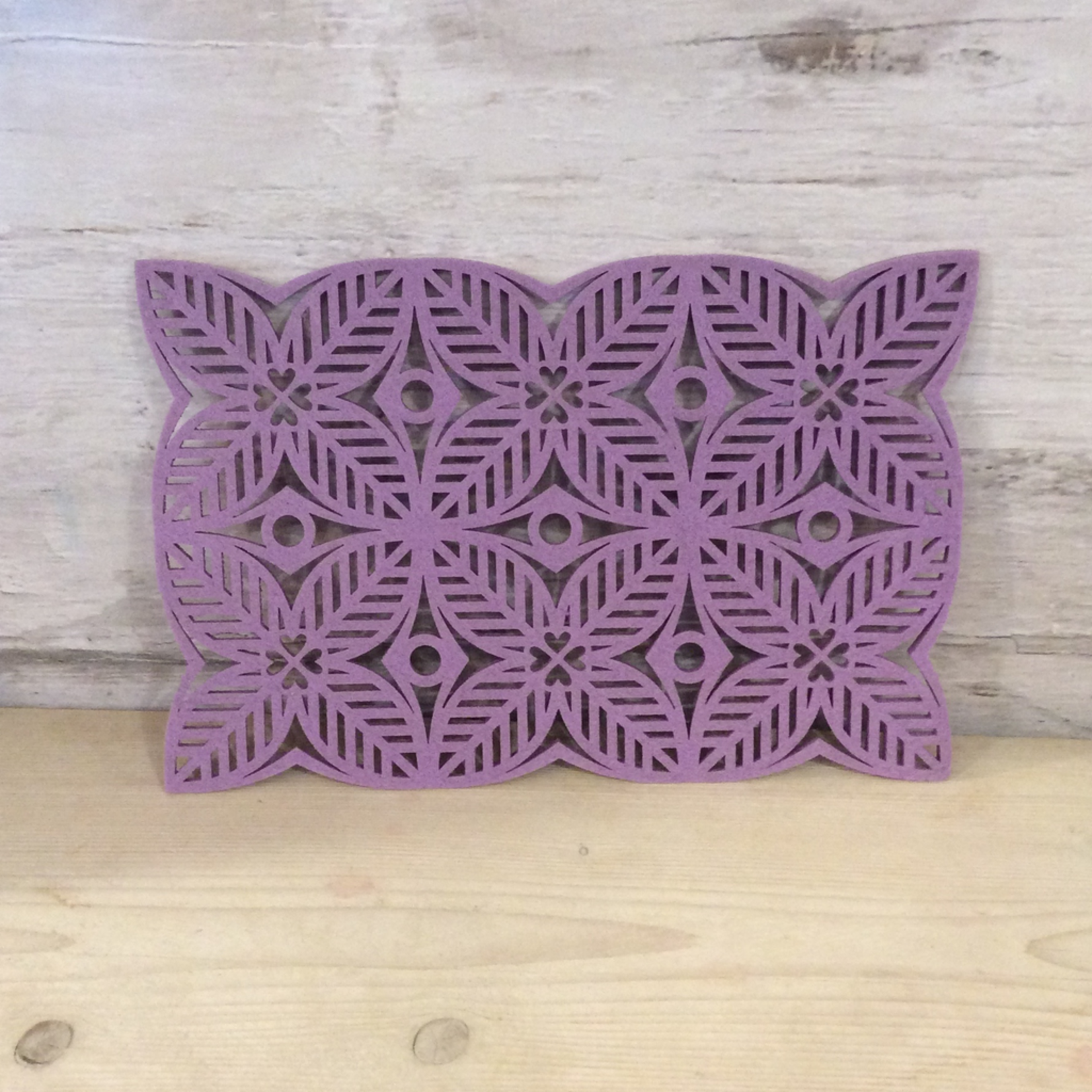 Alljoy 2 x Felt square flower placemats in Lilac