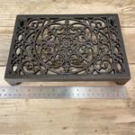 IRON RANGE Air Brick Decorative Cast Ant Iron