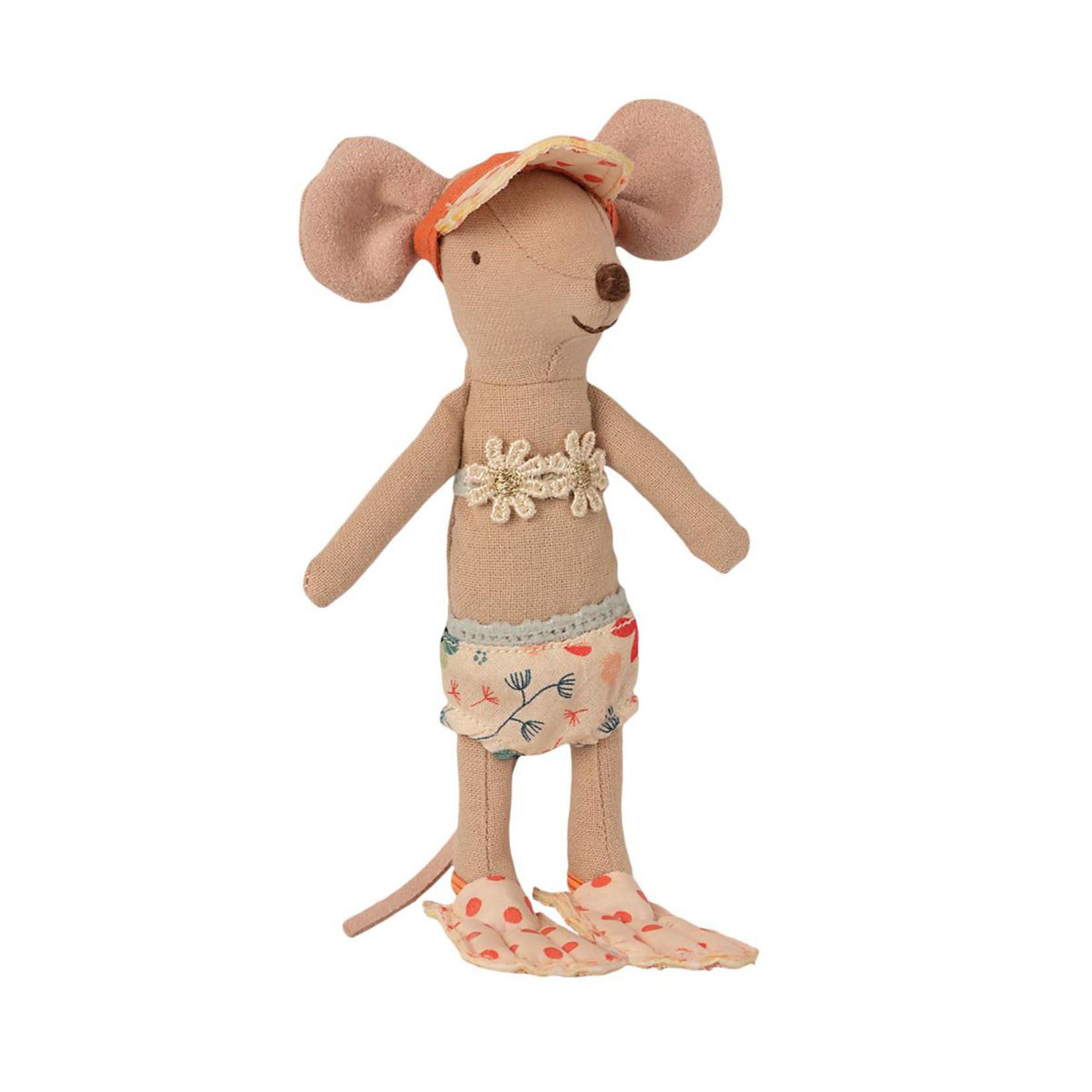 Maileg . NEW IN! Maileg Beach mice, Big sister in Cabin de Plage in Yellow Beach Hut