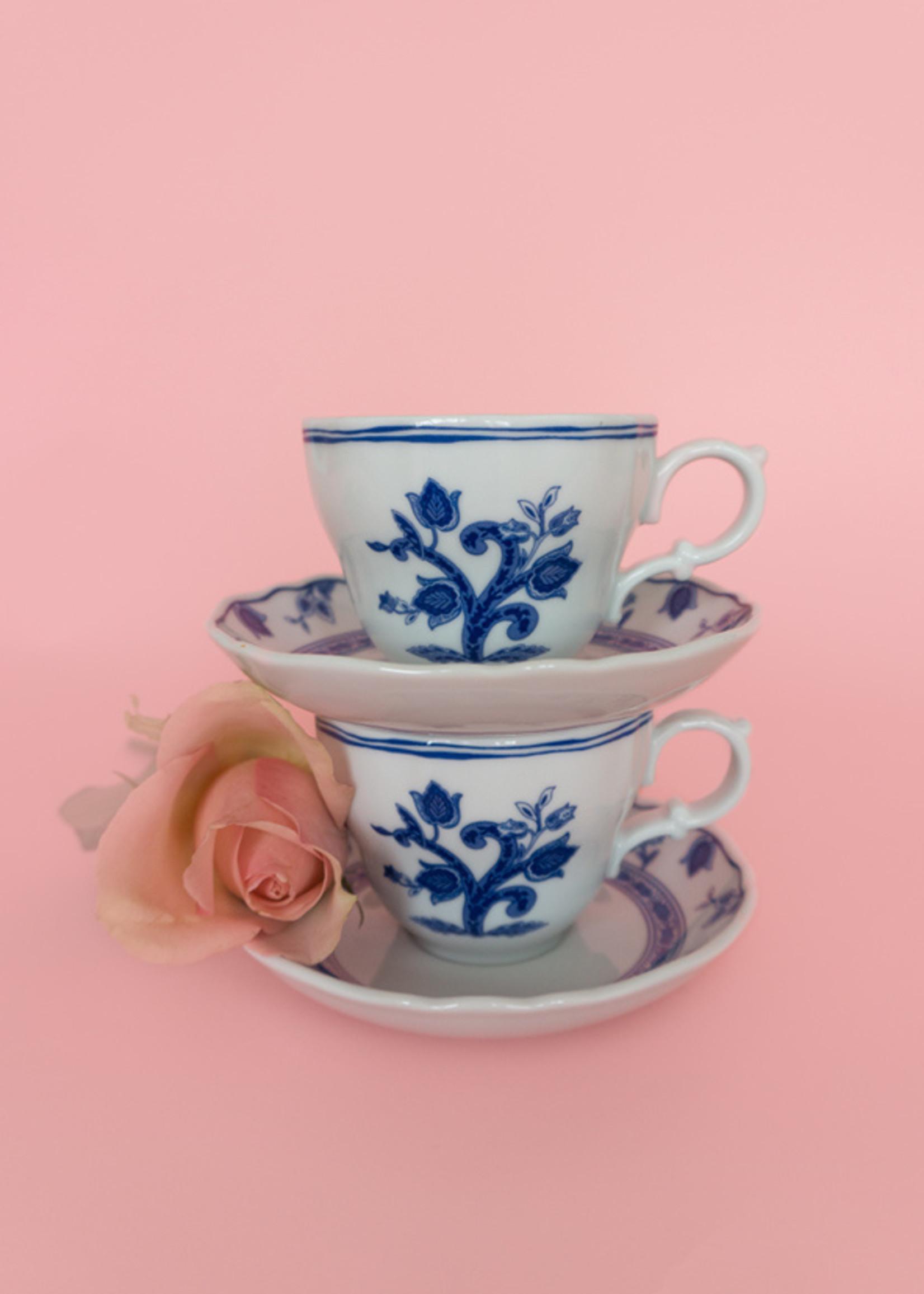 Estheréa's cup & saucer from Maria's Bar