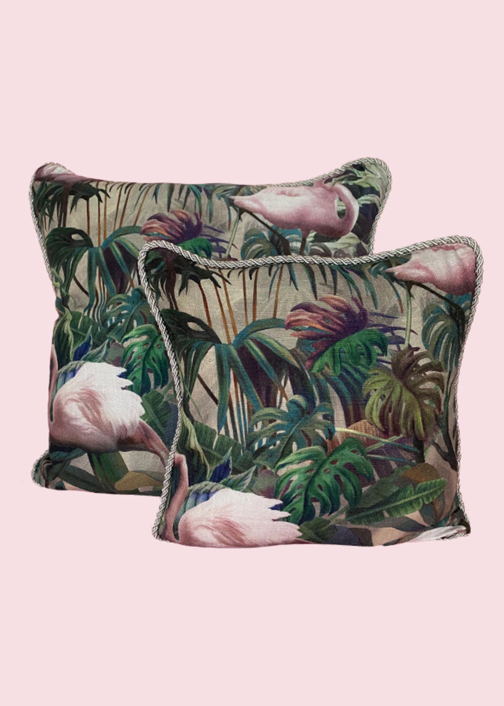 Esther's Set van twee sierkussens uit de Flamingo kamer, twee afmetingen