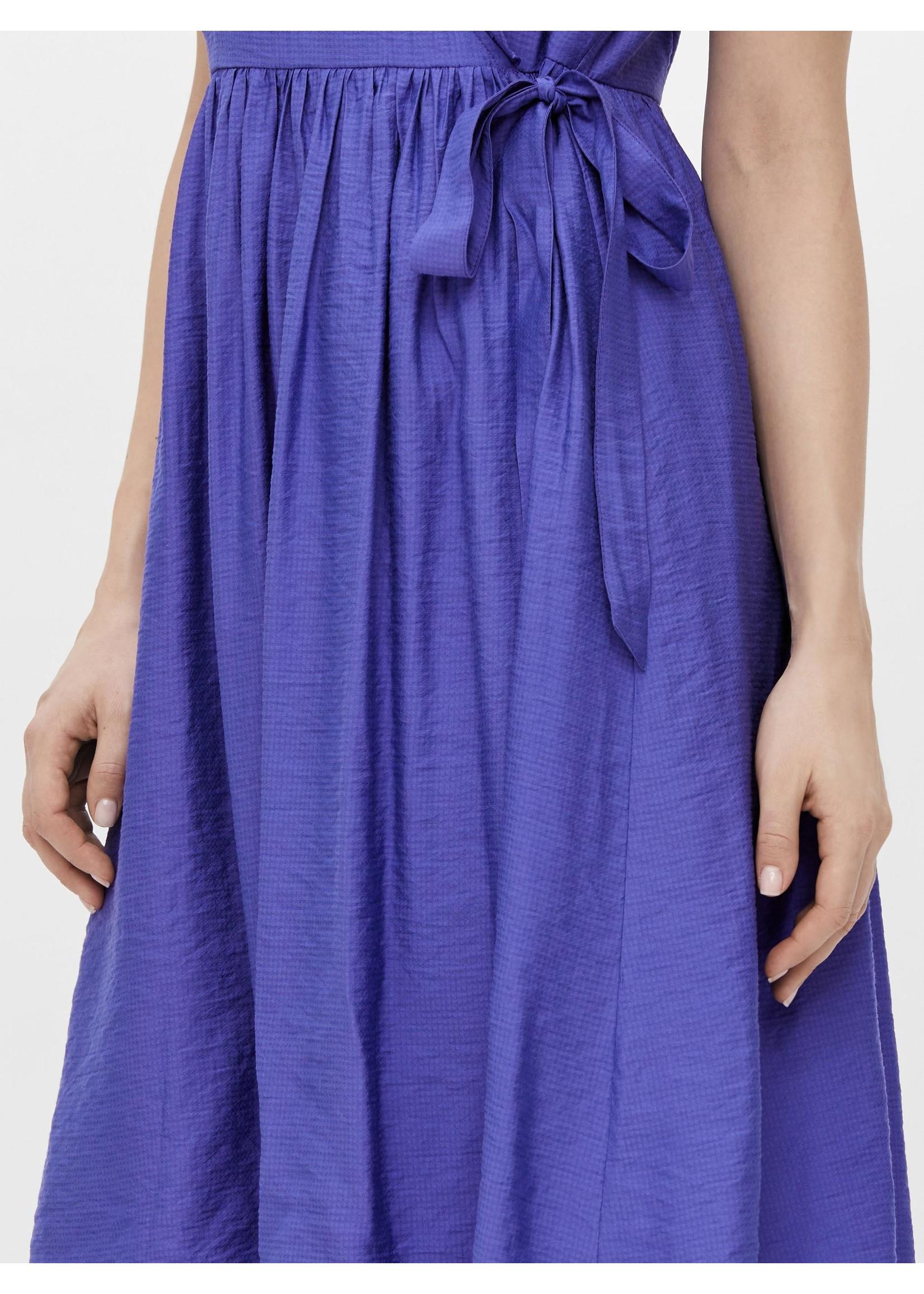 YAS Iris Midi Dress