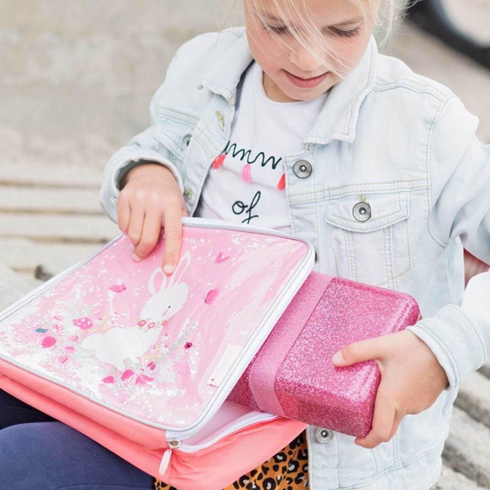 A Lovely Little Company A Lovely Little Company Lunch box Glitter Roze
