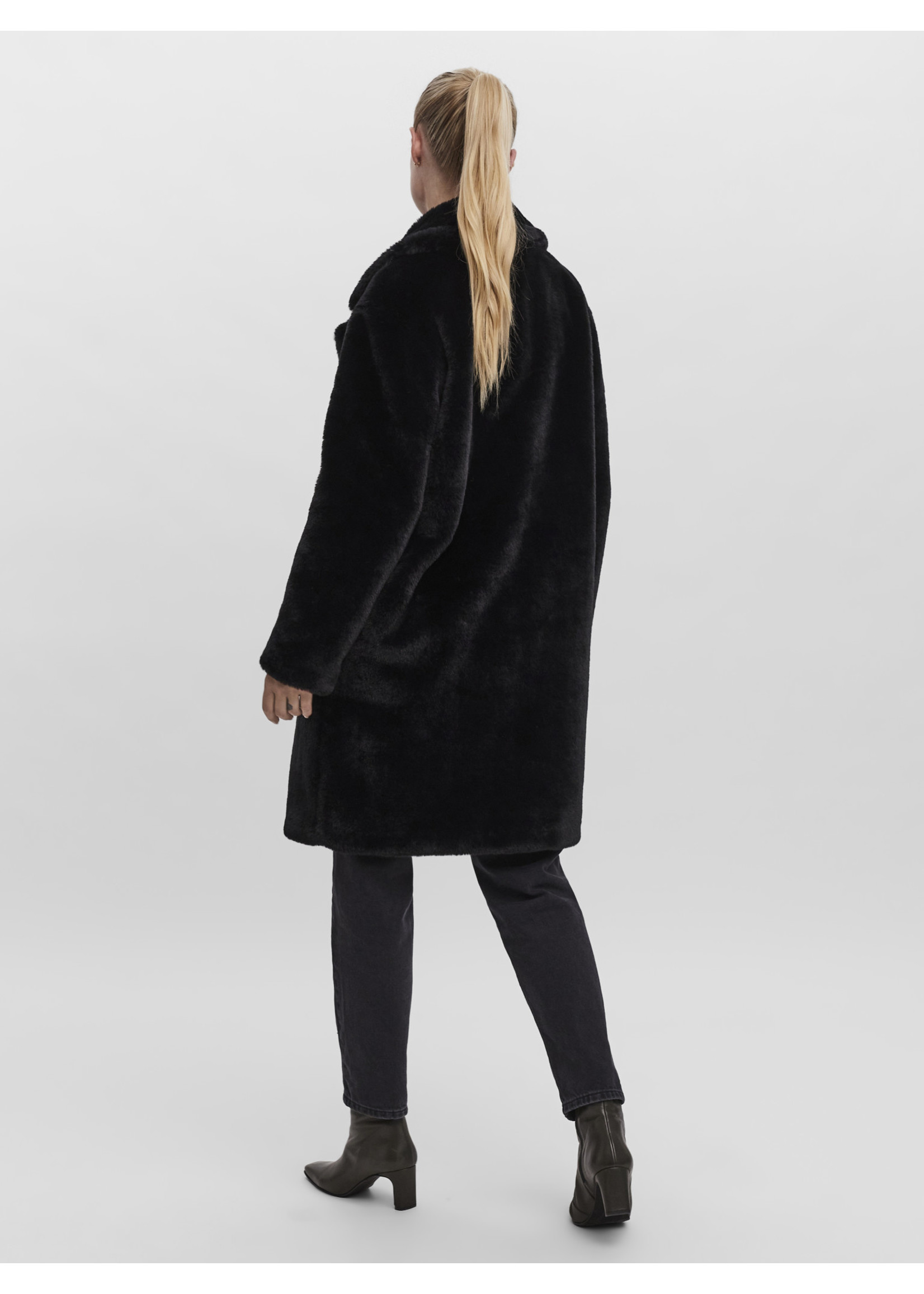 VERO MODA SUILYON FAUX FUR COAT BOOS black