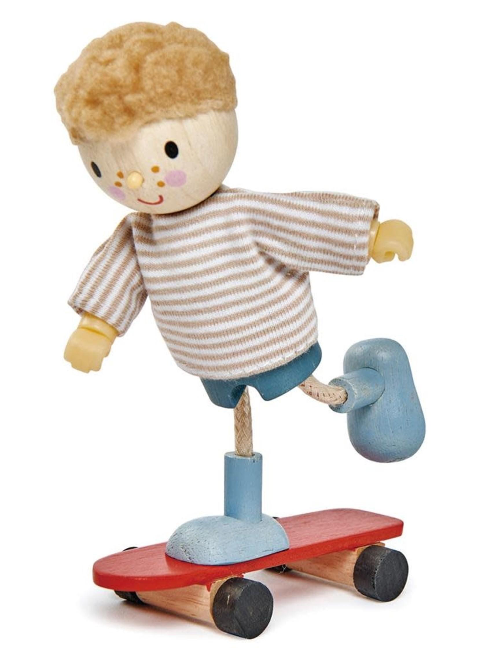 Tender Leaf Toys Popje Edward met skateboard