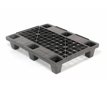 Light plastic nesting export pallet