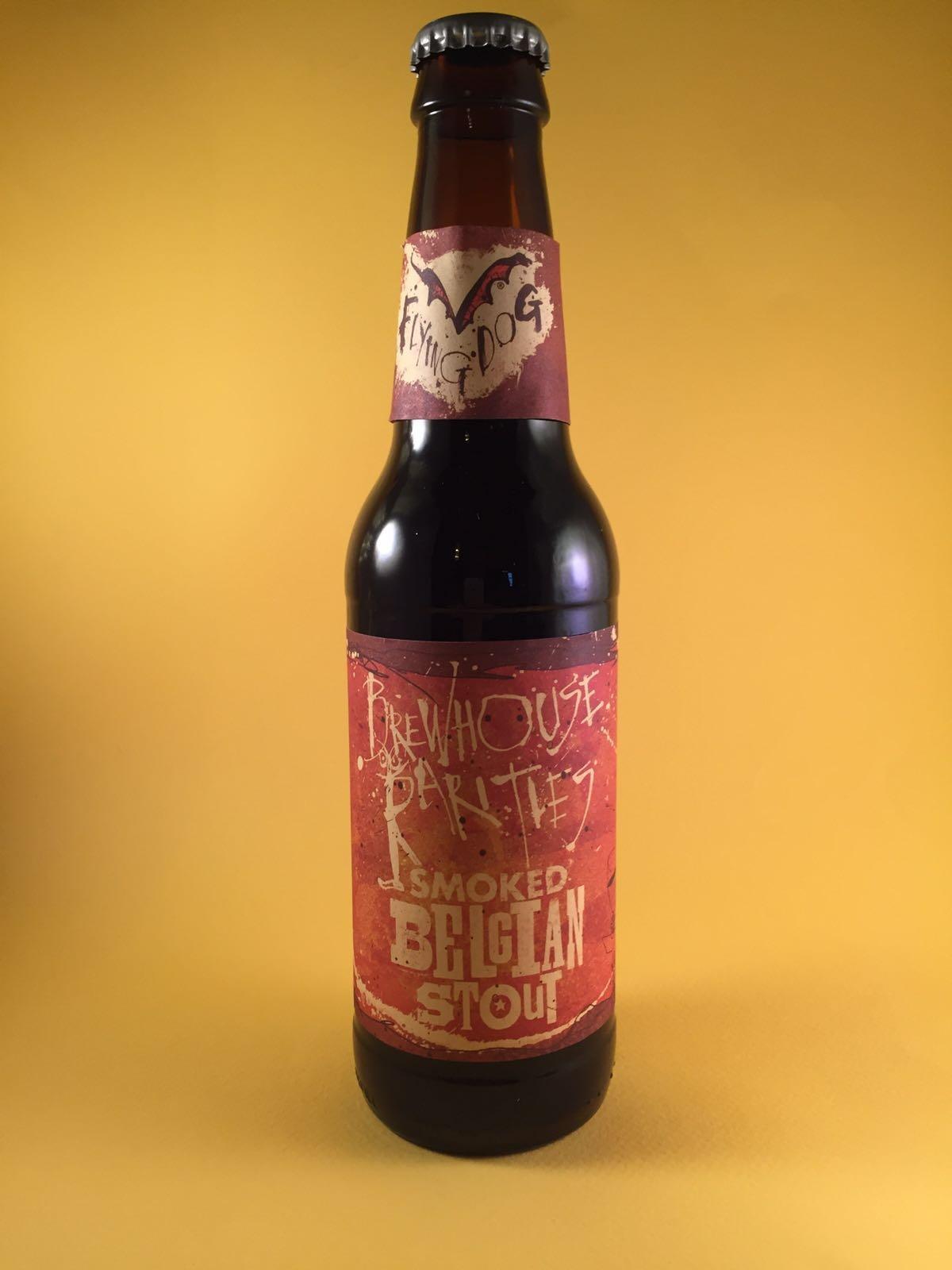 Flying Dog Smoked Belgian Stout Herkomst: Virginia, Amerika Let op! Drink dit bier als laatste. De klap op de vuurpijl. Voor dit eenmalig brouwsel hebben ze als speciale ingrediënten Belgische donkere kandijsuiker en de Copper Fox Mesquite gerookte mout gebruikt. Dit geeft het bier een stevig rokerig karakter met een hint van chocola en caramel, zeker het proberen waard!