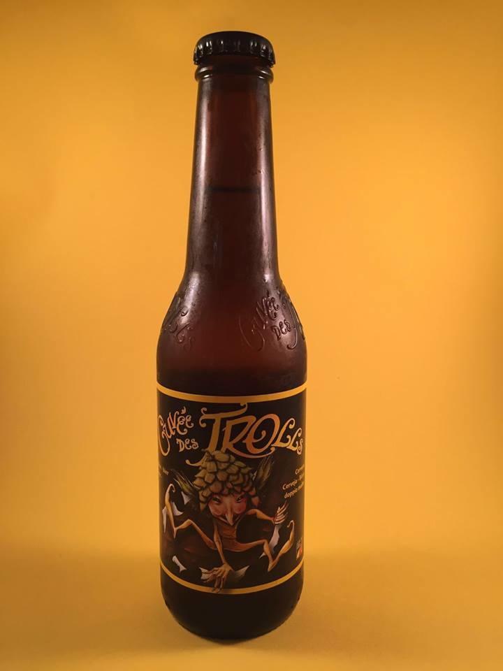 Cuvee des Trolls Herkomst: Pipaix, België Ongefilterd blond bier van dezelfde brouwerij als Bush Duboisson Blond. In het verleden meerdere prijzen gewonnen waaronder Médaille d'Or op de wedstrijd Monde Sélection in Brussel in 2005. De creativiteit van het etiket is niet harmonieus met de smaak. Het is een evenwichtig samengesteld smakenpalet met een alcoholpercentage van 7%. Advies serveertemperatuur: 5 graden.