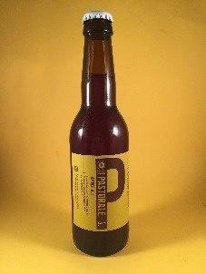 Pastorale Amber Ale Herkomst: Eindhoven, Nederland Brouwerij van Moll brouwt, onder in de kelder van hun brewpub in Eindhoven, bieren die zij zelf bedenken door inspiratie vanuit andere bieren. Pastorale is een koperkleurig Amerikaans bier met een bittere maar toch zoete smaak. Dit bier is gebrouwen van Amerikaanse hop en in de afdronk is een zuurtje terug te vinden. Het bier bevat een alcoholpercentage van 5,5%. Advies serveertemperatuur: 5 à 6 graden.