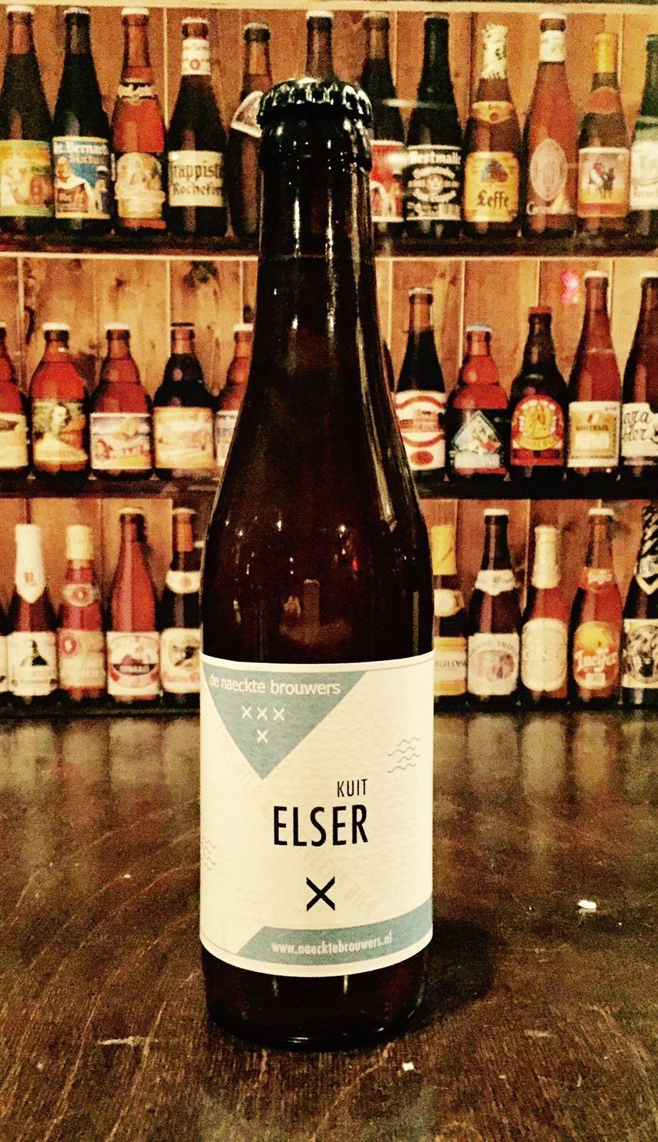 Elser Kuit Herkomst: Amsterdam, Nederland Een fris bier van brouwerij de Naeckte Brouwers. Als je je ogen sluit en ruikt aan dit bier lijkt het alsof je boven een pan hangt waarin spitskool wordt gekookt. Echter in de smaak is een mooi blond bier aanwezig. Citrus en grasachtig bouquet. De smaak is be-ter dan de geur. Dit bier heeft in 2016 een gouden medaille gewonnen bij de Dutch Beer Challenge. Kuitbier is gebrouwen met hop en haver- tarwe en gerstemout. Dit biertype heeft die ingrediënten in verhouding 3-2-1. Dit type bier werd vooral ge-brouwen in de 14e tot en met de 17e eeuw. Het bier bevat een alcoholpercentage van 5,5%. Advies serveertemperatuur 4 graden.