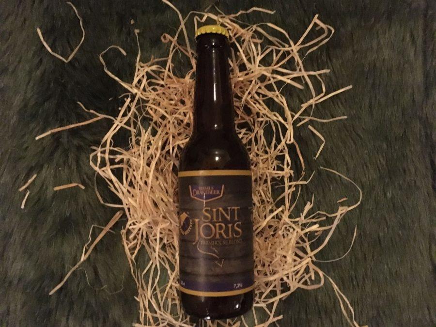 Sint Joris BlondHerkomst: Roermond, NederlandAmberkleurig blondbier met een stevige schuimkraag. Een bier met een lichte bite en fruitige afdronk. Sint Joris Blond is een speciaalbier met body en een subtiel bittertje. Dit bier is ontwikkeld door Joppe van Geerlings Dranken en heeft hij samen met brouwerij de Brouwschuur gebrouwen. De blonde variant is de enige variant die hij op de markt heeft gebracht. Het bier heeft een alcoholpercentage van 7.3%. Advies serveertemperatuur: 5 graden.