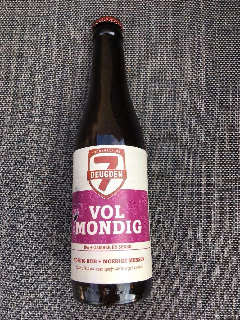 Vol+mondig Herkomst: Amsterdam, Nederland Een india pale ale met de kleur van roest. Zodra je ruikt komen de aroma's en kruiden je tegemoet waarbij de geur van perzik en gember opvalt. De gember is ook in de smaak goed te herkennen die wordt afgesloten door lichtzurige afdronk die wordt bepaald door citroengras. Brouwerij de 7 Deugden is gevestigd in Amsterdam en heeft onlangs een nieuwe brouwerij geopend. Behalve een brouwerij hebben ze ook een proeflokaal waardoor je op locatie een rondleiding kunt volgen met daarbij een proeverij van 3 of 6 bieren. Het bier bevat een alcoholpercentage 5,7%. Advies serveertemperatuur: 5 à 6 graden.
