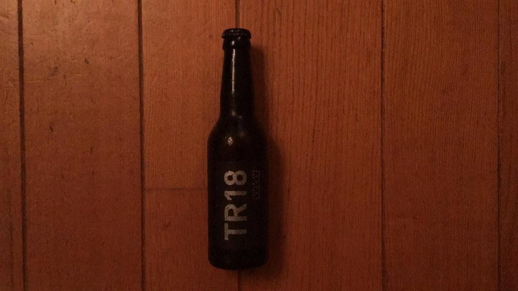 TR18  Herkomst: Purmerend, Nederland  Mistig goudblond bier. Een heerlijke tripel, stevig van smaak met een filmend effect. Filmend betekent dat je mond wat plakkerig wordt als je het bier drinkt. Dit bier behoort tot de infused selection van Berging Brouwerij. Als basis een tripel waarbij een, naar sinaasappel smakend likeur, is geinfuseerd in de tripel. Berging brouwerij heeft naast de infused selection, een basis assortiment en seizoensbieren. Naast bieren hebben ze ook een gin op de markt gebracht.  Alcoholpercentage: 8,9%  Advies serveertemperatuur: 8 tot 10 graden