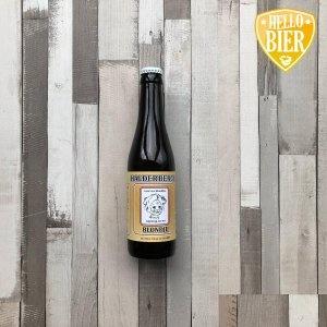 Halderbergs Blondje   Herkomst: Hoeven, Nederland  Blond bier met de kleur van karamel. Kruidig in de mond en neus. Toegankelijk blond bier waarin de kruidige tonen worden begeleidt door een licht karamelzoete smaak. De geur doet denken aan wort, de zoete vloeistof die ontstaat nadat gerst gecombineerd is met water (maischen) en vervolgens gefilterd is. Halderbergs Blondje is afkomstig van brouwerij 't Meuleneind. Een brouwerij uit Hoeven die wordt gerund door één familie en een breed assortiment aan diverse speciaalbieren heeft.  Alcoholpercentage: 6 %