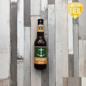 Witte Anker Saison  Herkomst: Breda, Nederland  Een saison met goudgele kleur. Een fris bier met de droge smaak die je van een saison kunt verwachten. De afdronk is kruidige en lichtbitter. Als je goed ruikt, lijkt het of je de geur van stro herkent. Ruik jij het ook? De bierstijl saison is ooit ontstaan doordat men een bier voor de seizoensarbeiders wilde brouwen. Het moest dorstlessend zijn maar niet te heftig zodat ze vervolgens nog wel konden werken. Deze saison is afkomstig van brouwerij het Witte Anker uit Breda. Een brouwerij dat gevestigd is in een pand met daarop een wit anker. Vandaar de naam van de brouwerij.  Alcoholpercentage: 6,5%