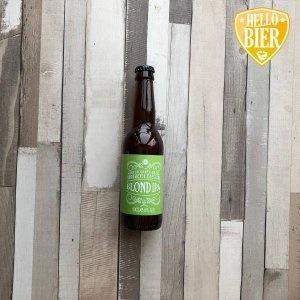 Blond IPA   Herkomst: Goes, Nederland  Donkerblond mistige IPA met fijne schuimkraag. Gebalanceerd bier in geur en smaak met een bitterheid die je van een India Pale Ale kunt verwachten. Een blondbier dat gehopt is waardoor het in deze stijl valt. Echter zijn bij dit bier Amerikaanse hoppen gebruikt waardoor je het ook een APA, American Pale Ale, zou mogen noemen.   Deze Blond IPA is afkomstig van brouwerij Emelisse uit Goes. Een brouwerij die al meer dan 10 jaar meedraait in de wereld van speciaalbier. Naast een vast assortiment aan speciaalbieren heeft Emelisse ook White Label bieren. Dit zijn éénmalig gebrouwen bieren met uiteenlopende smaken.   Alcoholpercentage: 6,8%