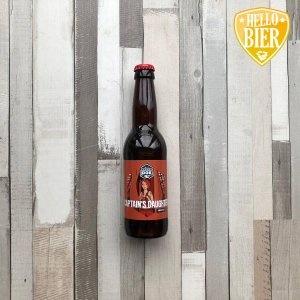 Captains Daughter  Herkomst: Den Bosch, Nederland  Amberkleurig bier met beige schuimkraag. Aangenaam van smaak met gebalanceerde smaken. Geen uitschieters in geur of smaak. Een bier met body maar niet te heftig in alcohol. Laag koolzuurgehalte wat de amber ale zacht maakt in de mond en afdronk.  Captains Daughter is afkomstig van brouwerij Brouwdok uit Harlingen. Een brouwerij met proeflokaal en een basisassortiment speciaalbieren aangevuld met seizoensspecials.   Alcoholpercentage: 6 %