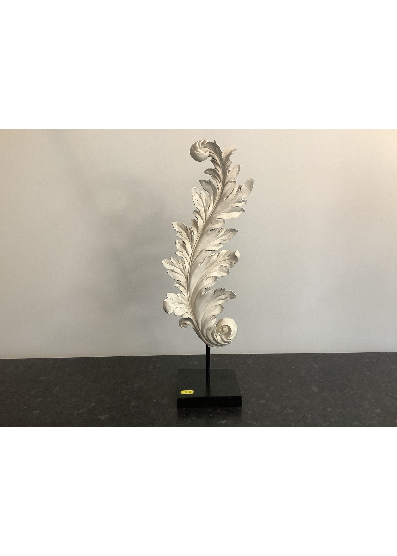 Decorative leaf on stand 50cm tall
