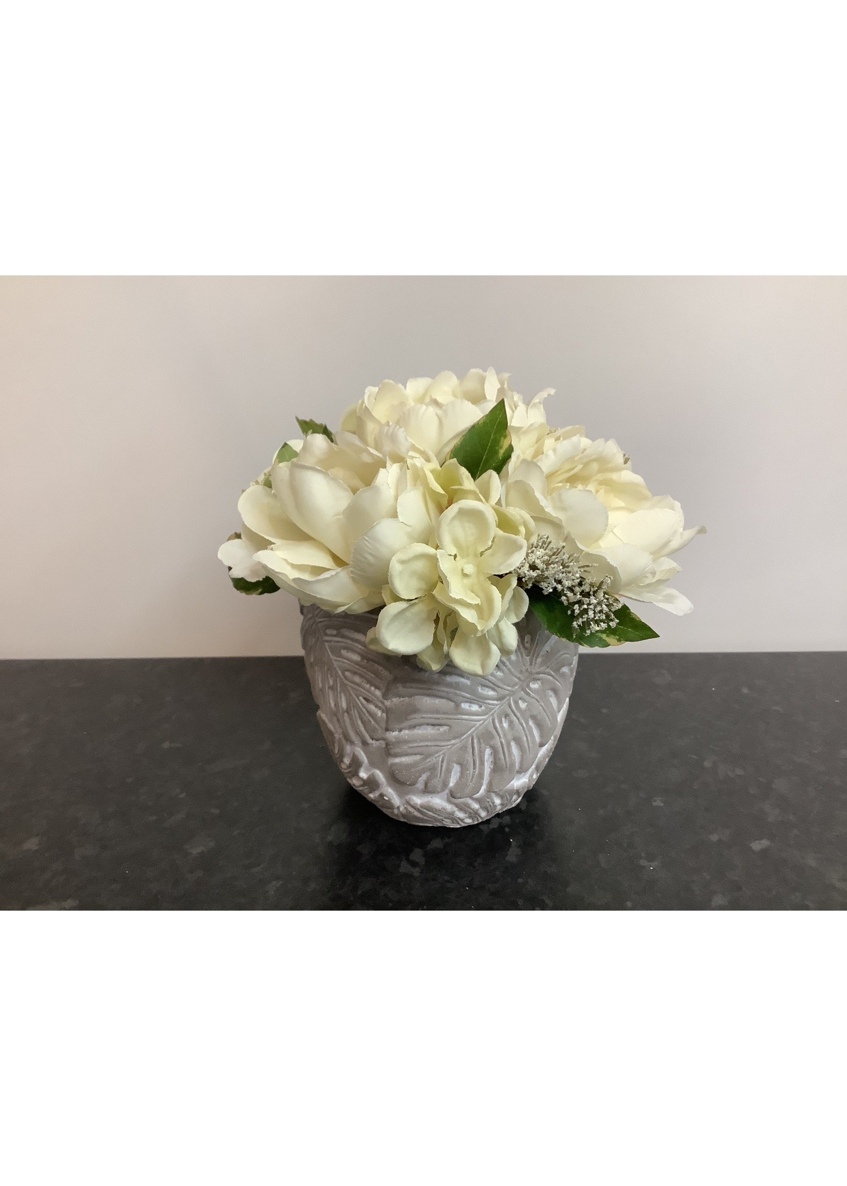 Vintage flowers in small pot 15 x 24cm
