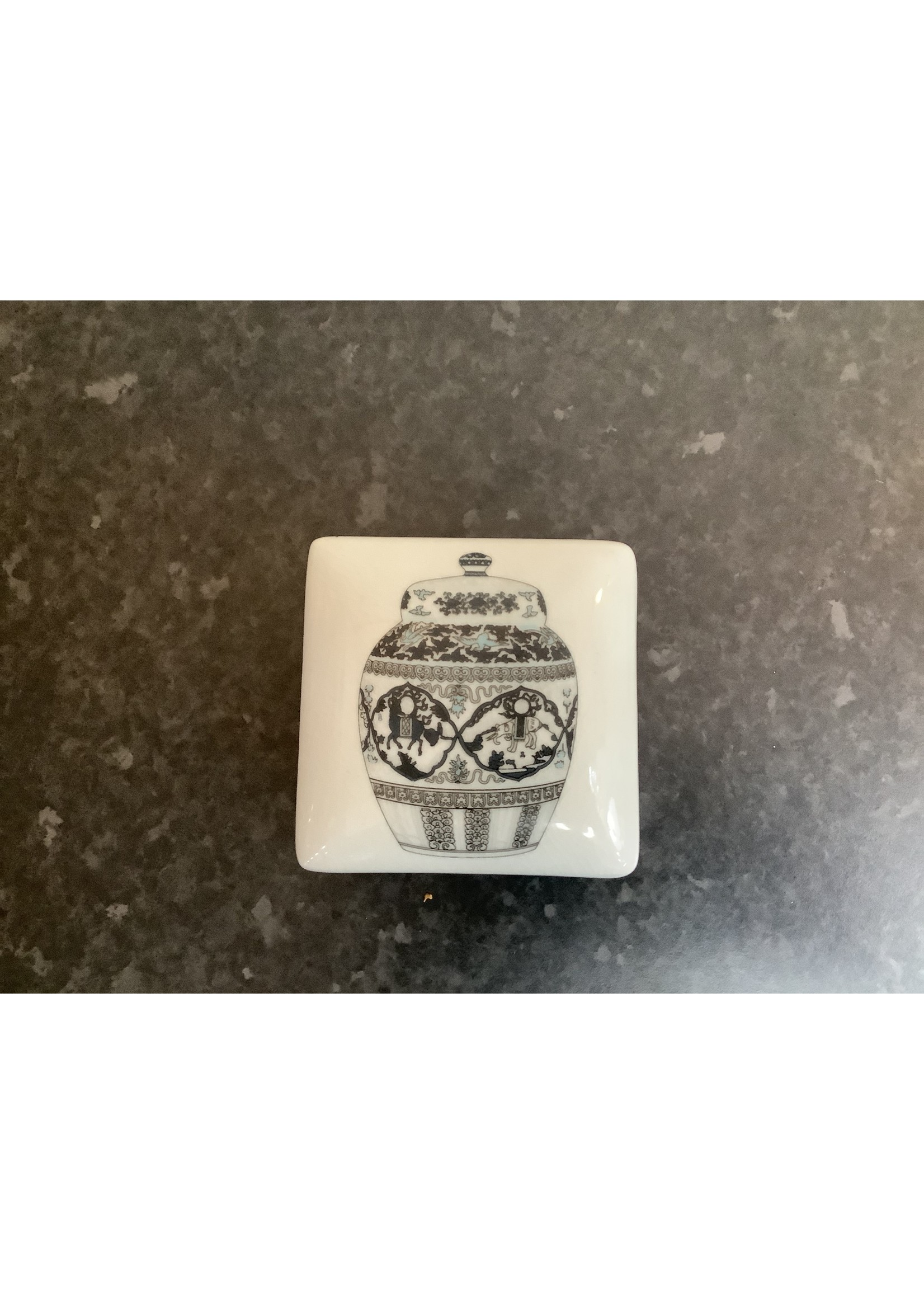 Chinese trinket box 10x10cm