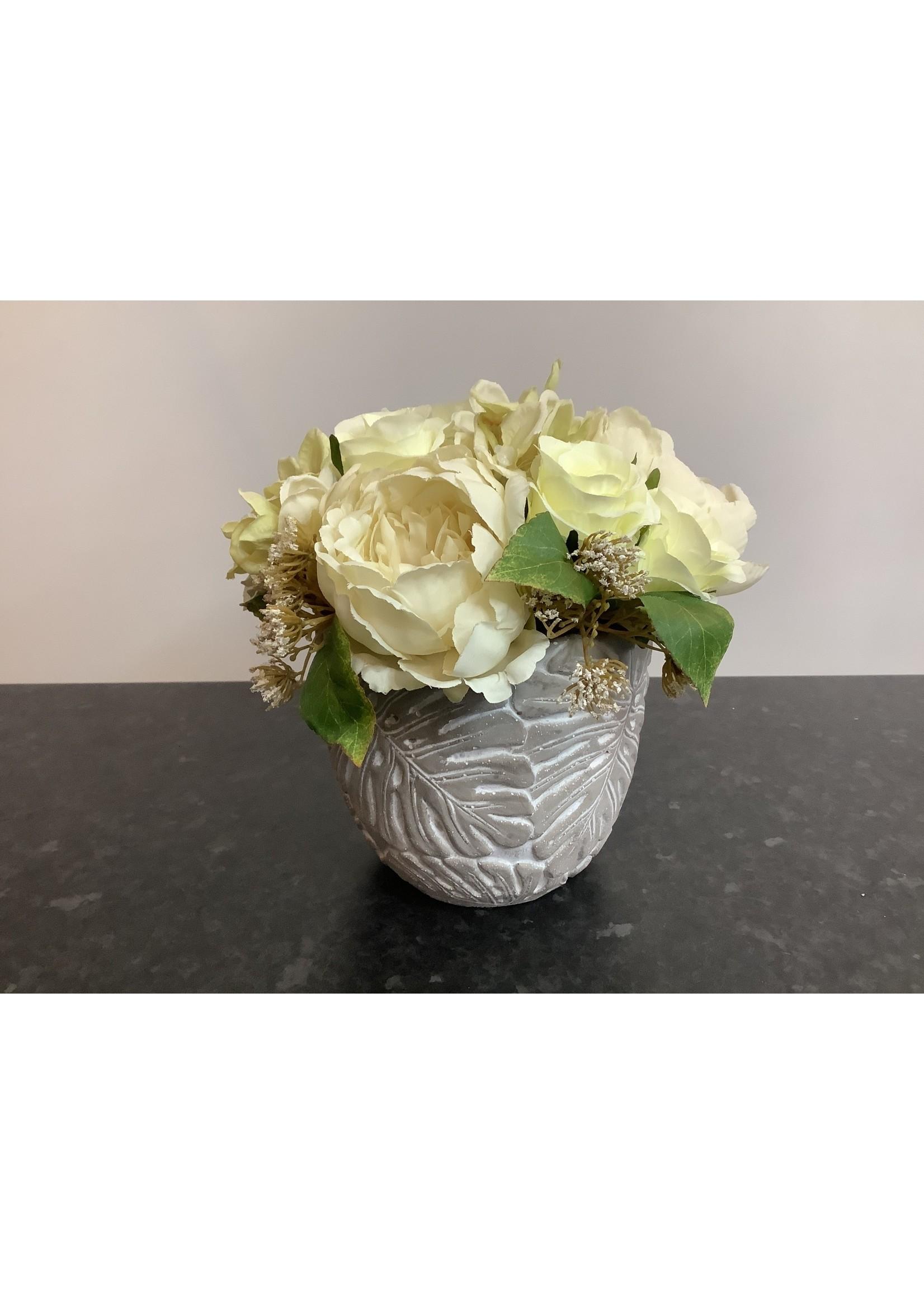 Vintage rose and peony  arrangement 16x20cm
