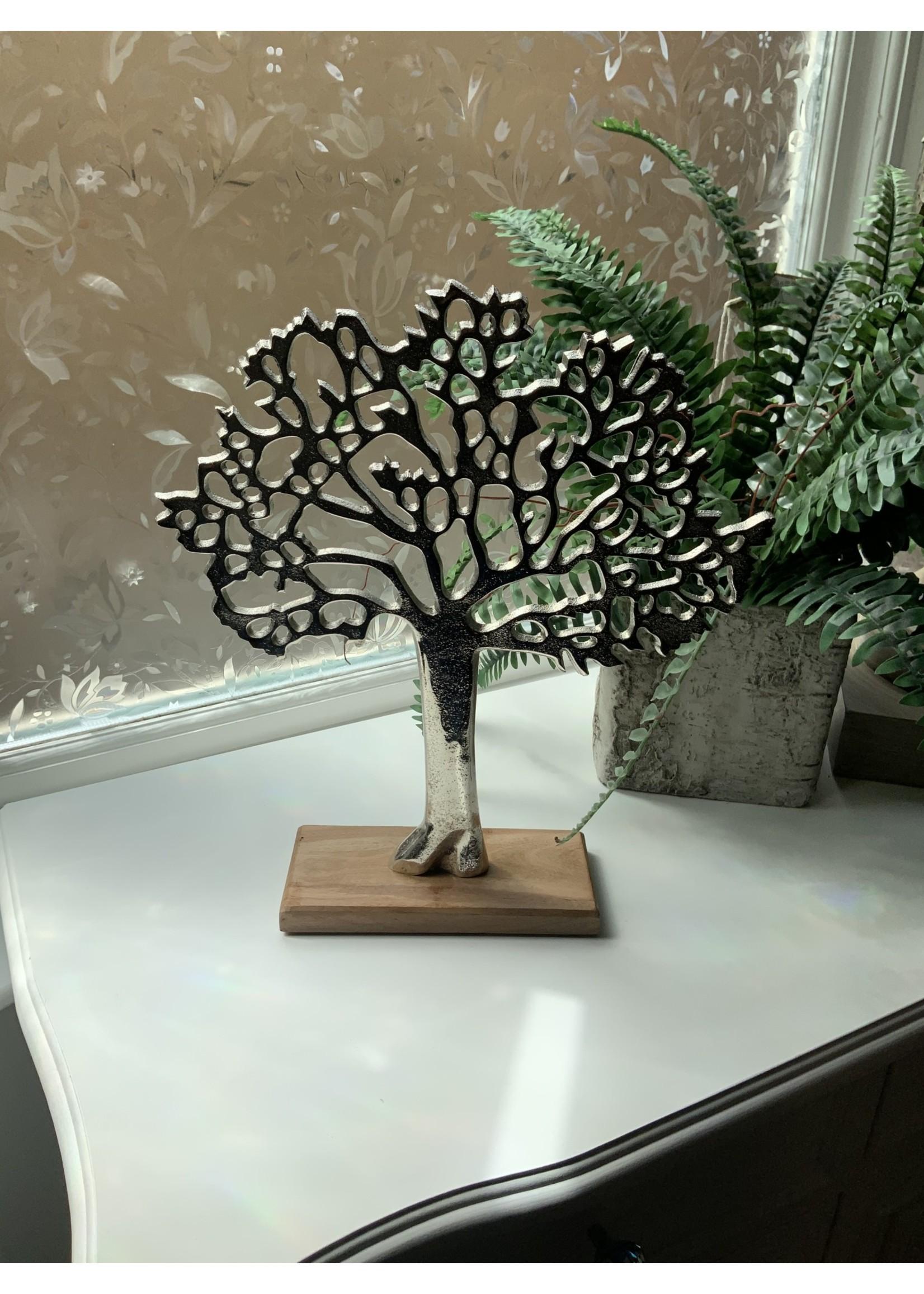 Metal tree on stand  30x33cm