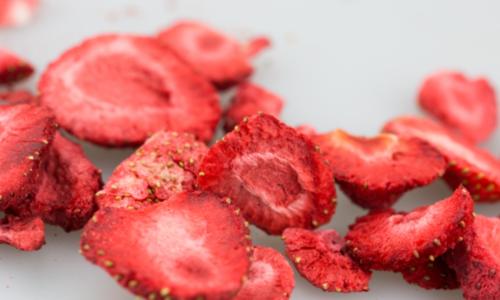 Wat is gevriesdroogd fruit?