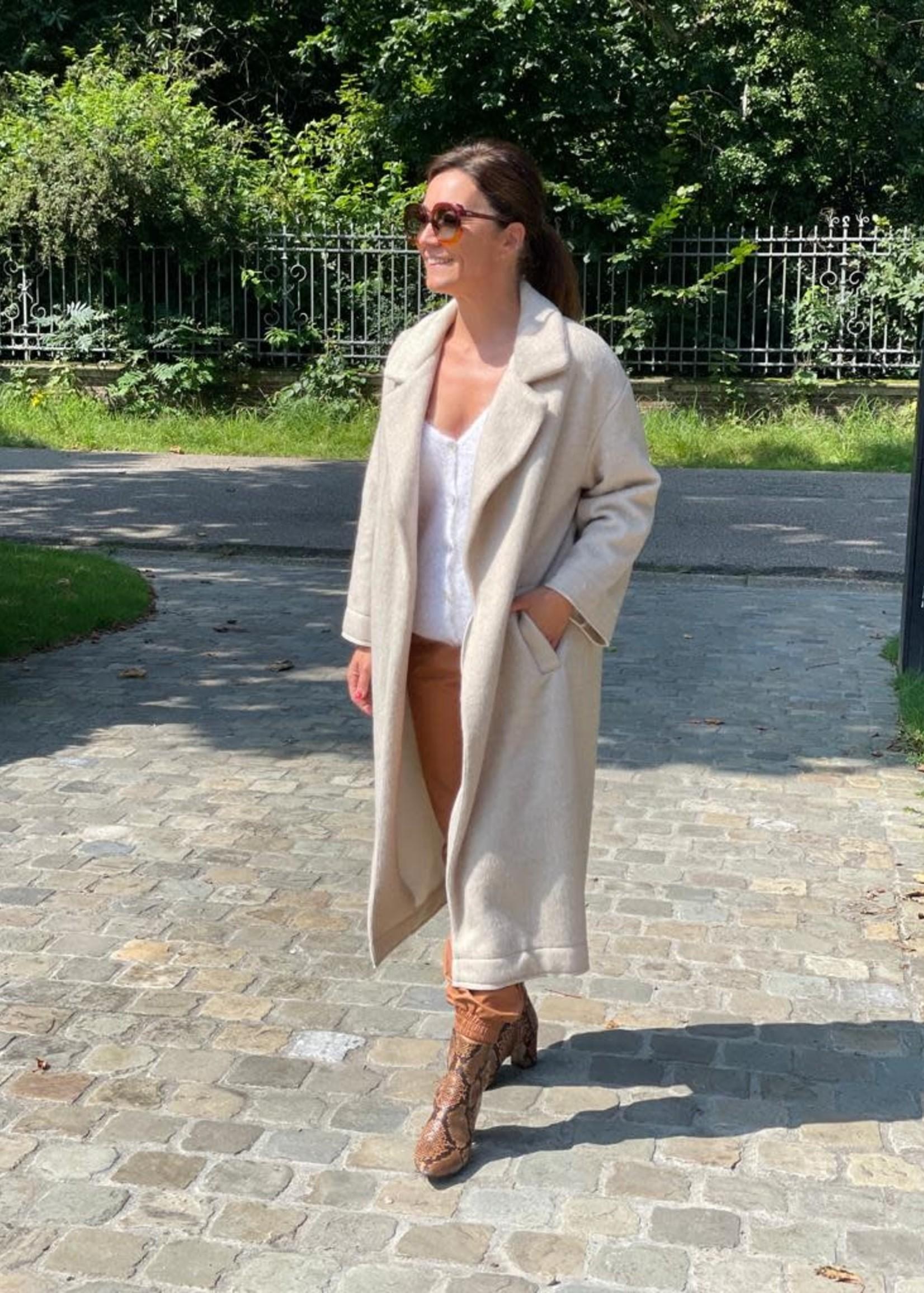 Guts & Goats Blakely Creme Coat