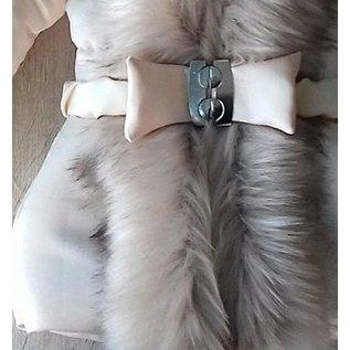 Creme winterjas met grote bontkraag