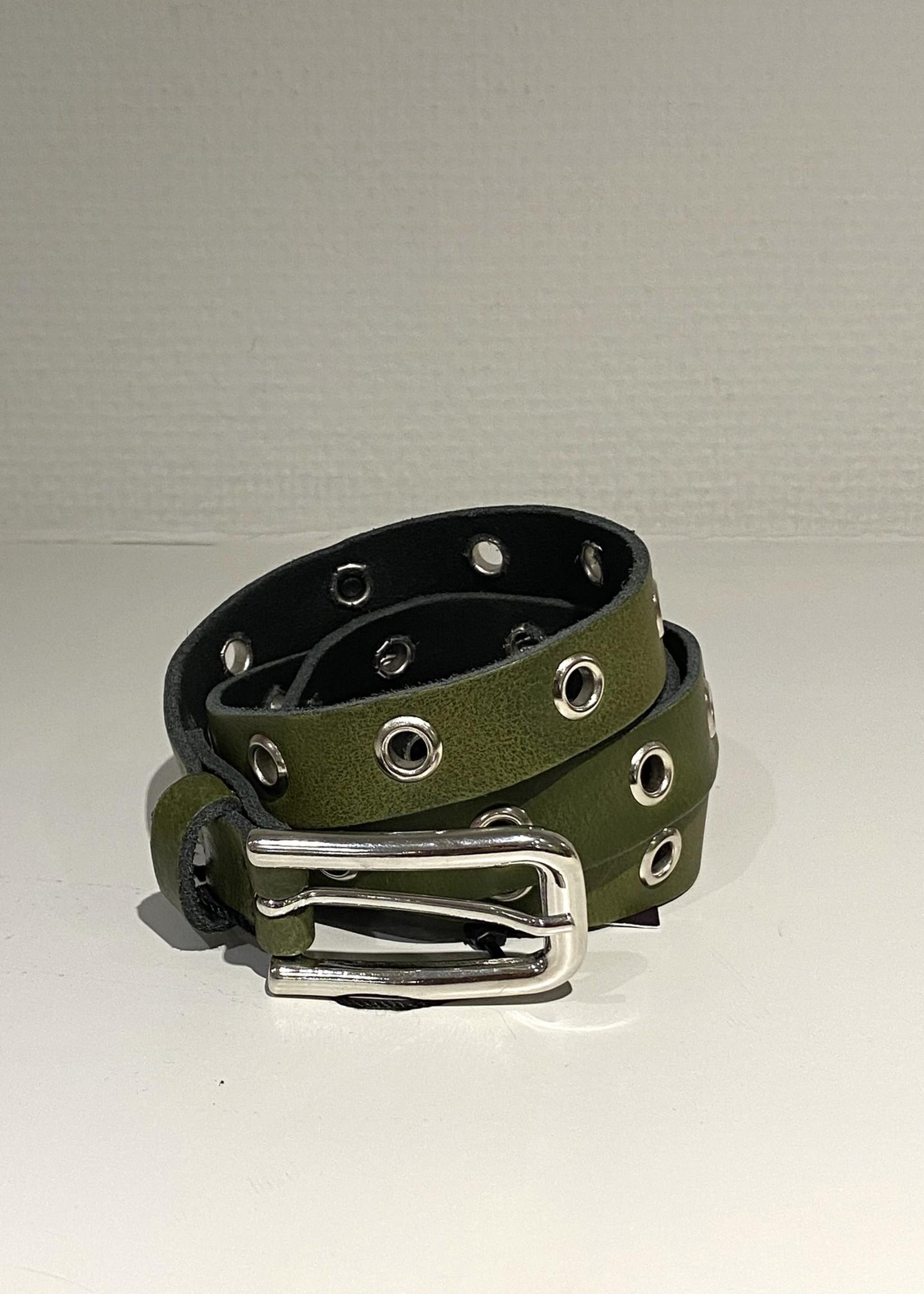Elvy's Lange riem Elvy's met metalen ringen in groen