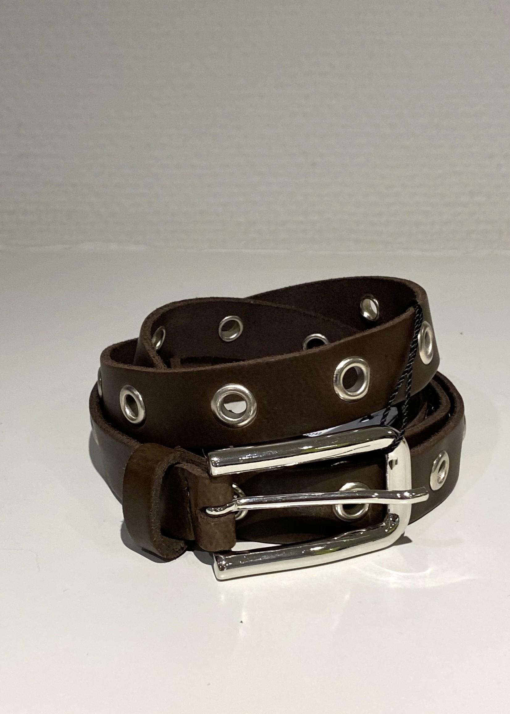 Elvy's Lange riem Elvy's met metalen ringen in bruin