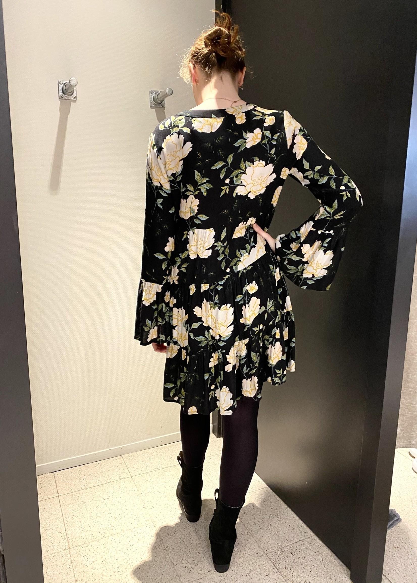 ONLY Wijdvallende korte jurk met groen/roomwit bloem motief ONLY