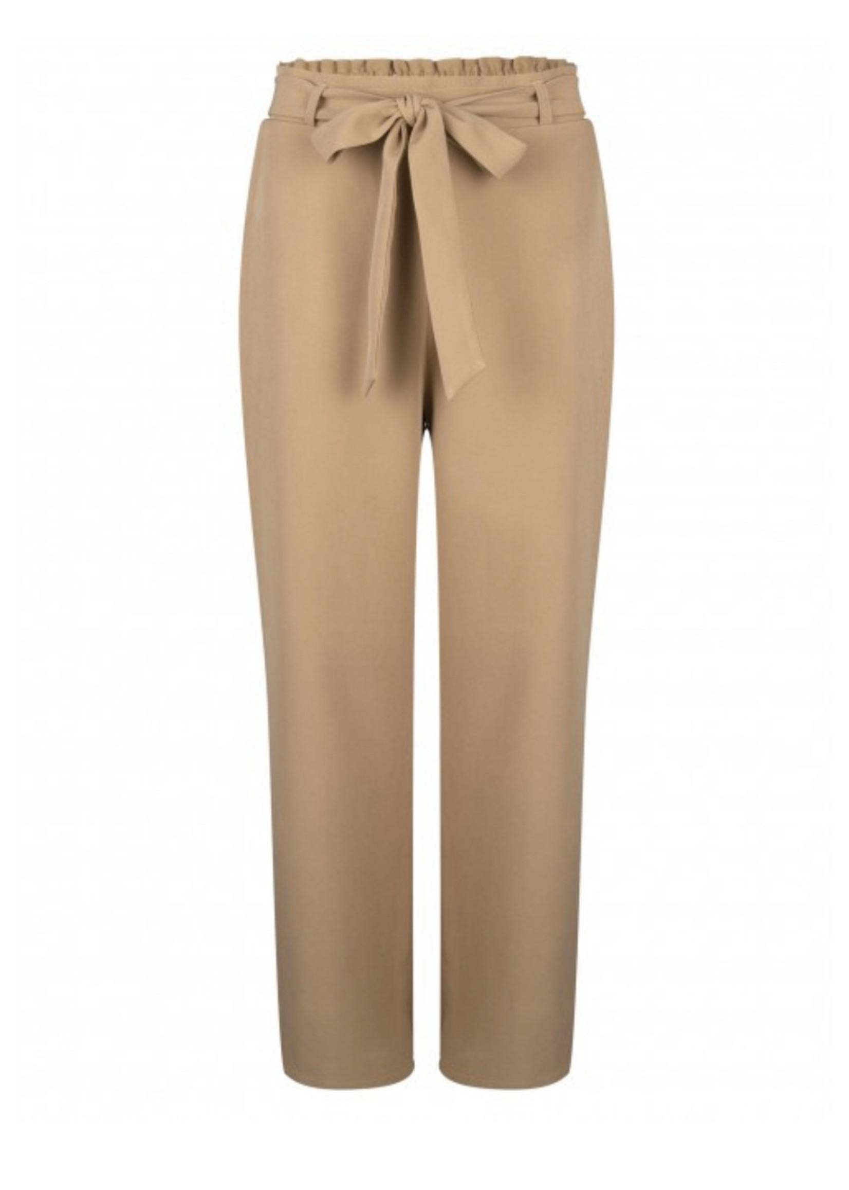 YDENCE Highwaist broek in beige van Ydence