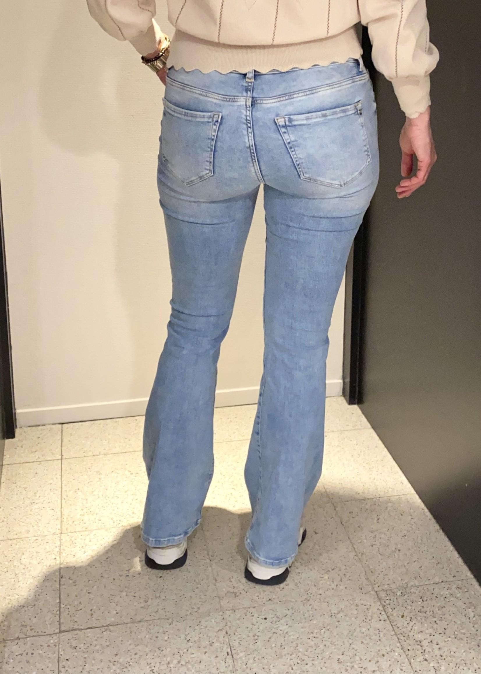CUP OF JOE JEANS Laura flared jeans light blue vintage L32