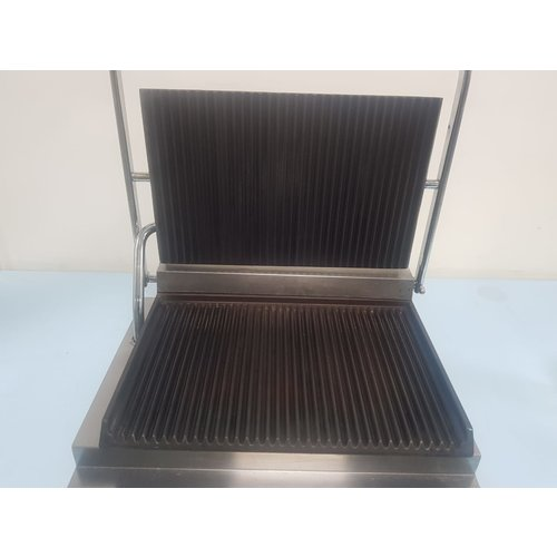 BARTSCHER A150674 - Ribbed Flat and Bottom Contact Grill