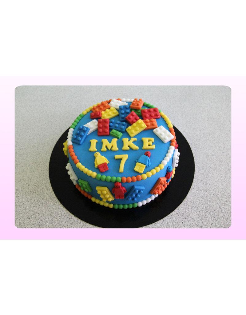 1. Sweet Planet Lego blokjes taart