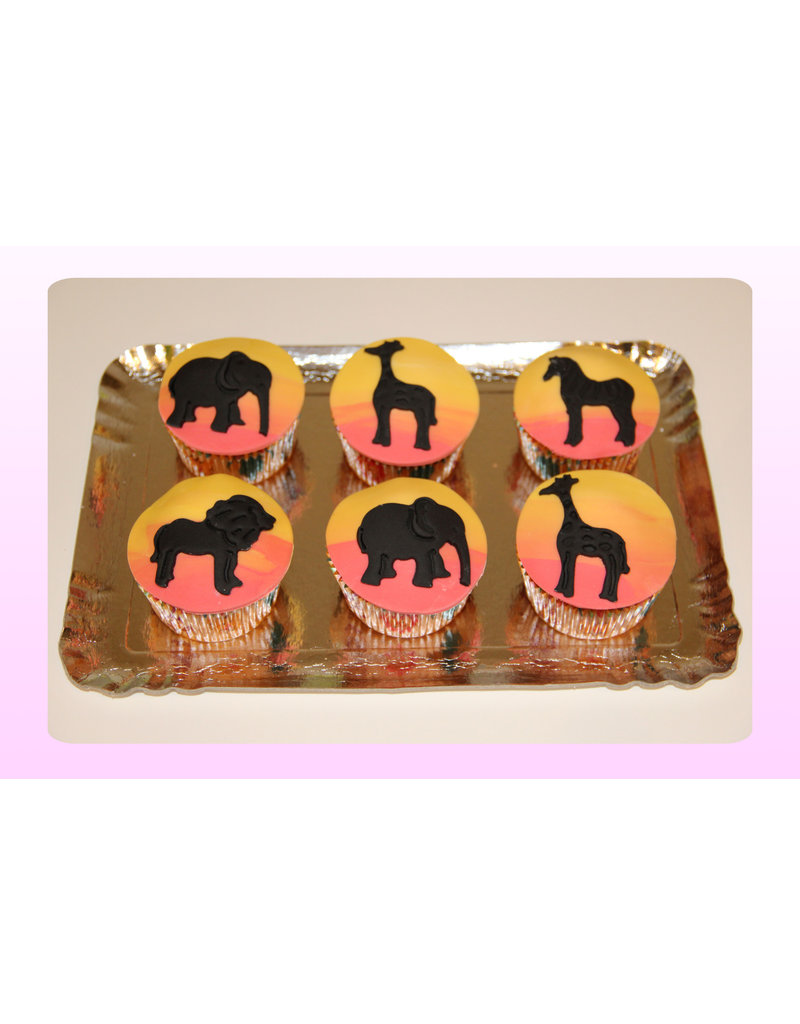 1. Sweet Planet Safari cupcakes