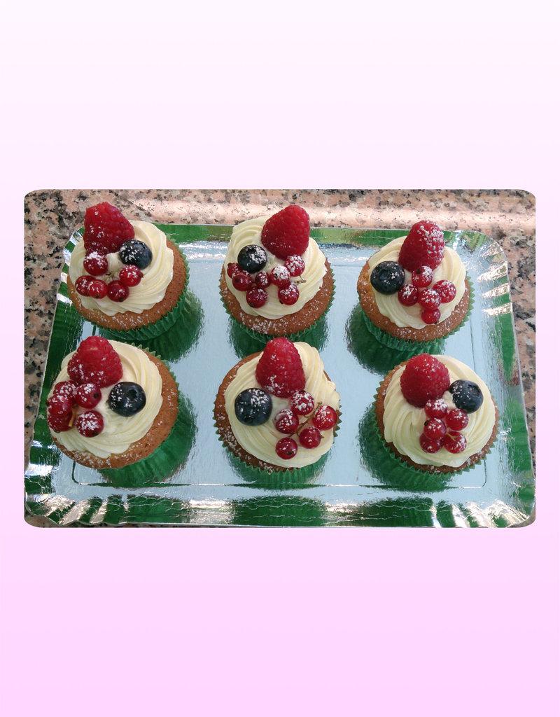 1. Sweet Planet Rode fruit cupcakes