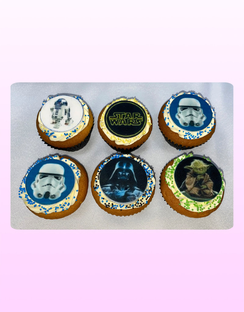 1. Sweet Planet Star Wars cupcakes