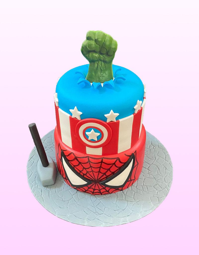 1. Sweet Planet Superhelden taart model 3
