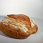 Peter Bakt Brood Zuurdesembrood van tarwebloem en 50% tarwe volkorenmeel