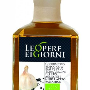 OlioItalia Single estate extra virgin olive oil infusion garlic & pepper and balsamic vinegar - 250ml glass bottle