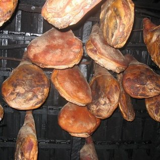DALMATIAN Pršut -Dalmatische Rohschinken